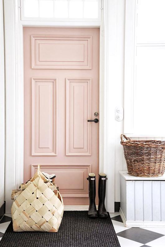 decor color of year -door