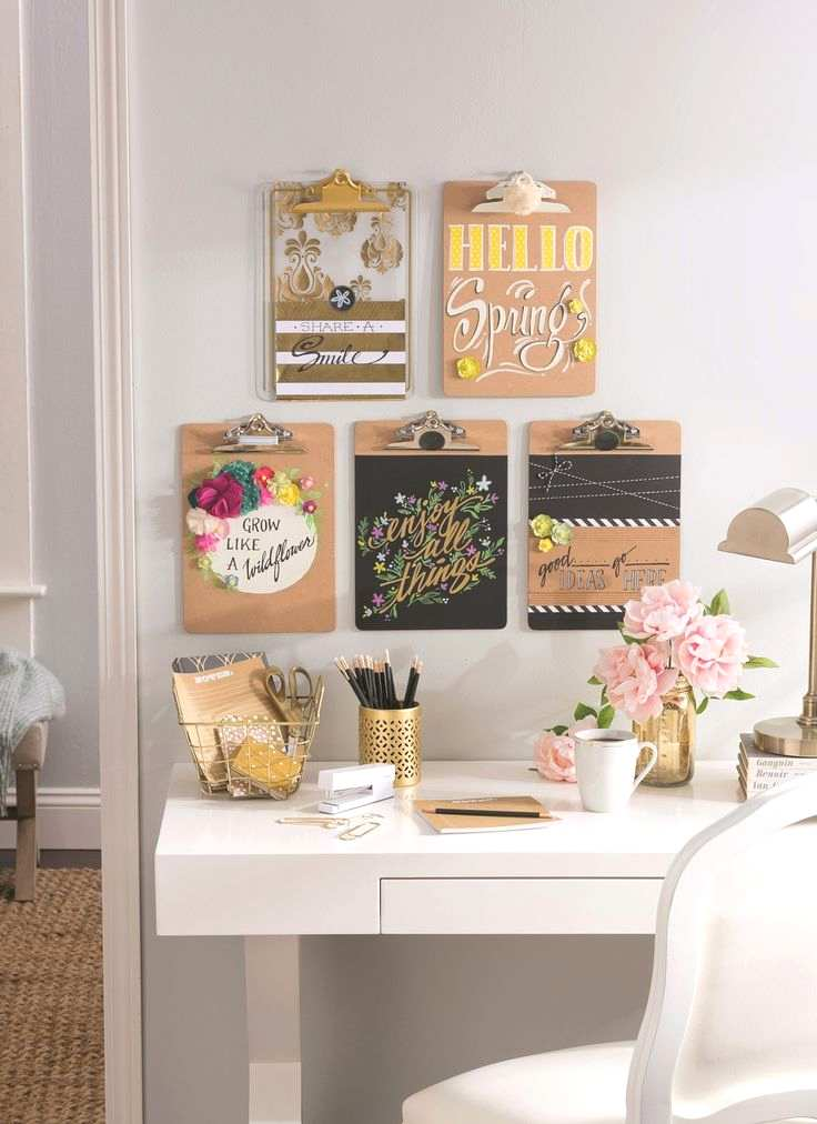 Decorate walls with words