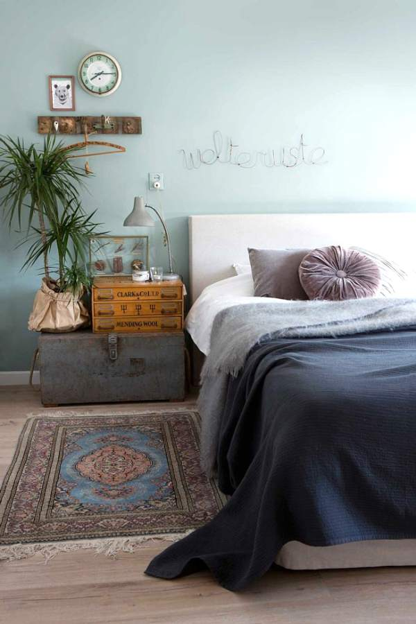 Side tables ideas: Vintage touches